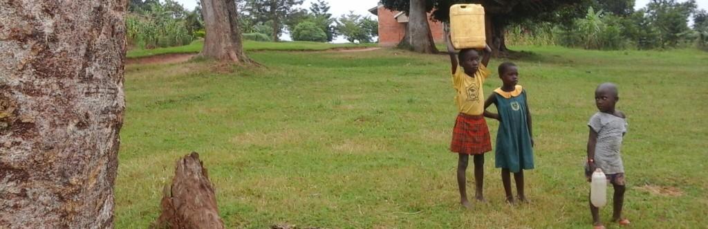 Ugandan kids collecting water