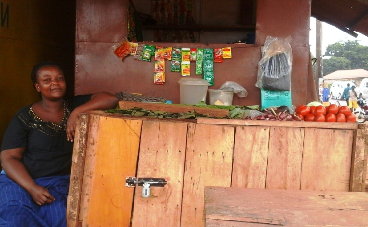 Small fruit and vegetables stands are everywhere in Uganda