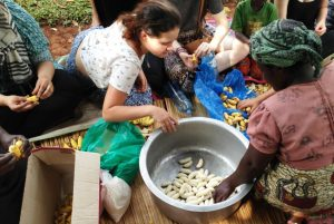 Volunteer in Uganda and work with women