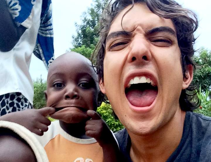 Volunteer in Uganda and work with kids