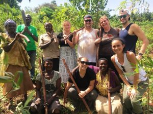 Volunteers on a farm in Uganda